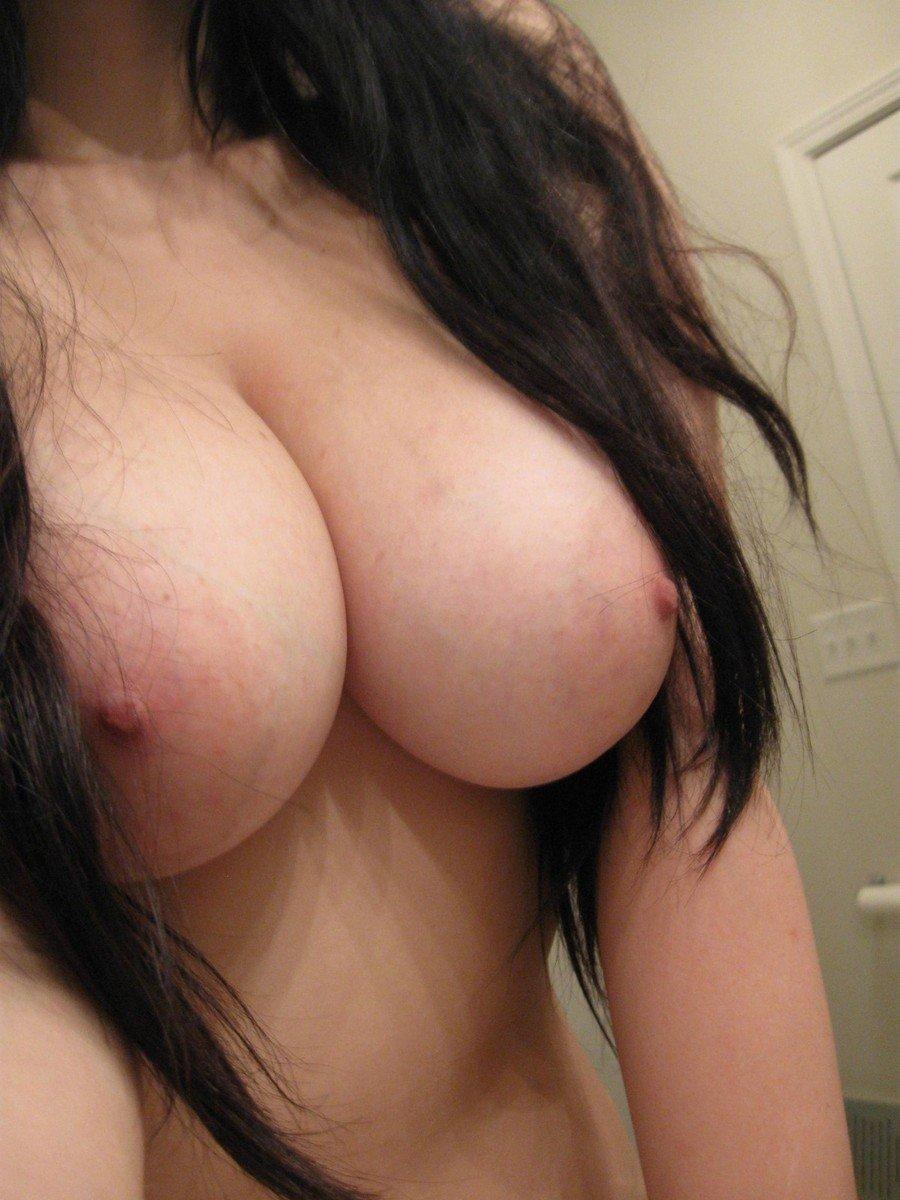 big boobs gros plan (15)