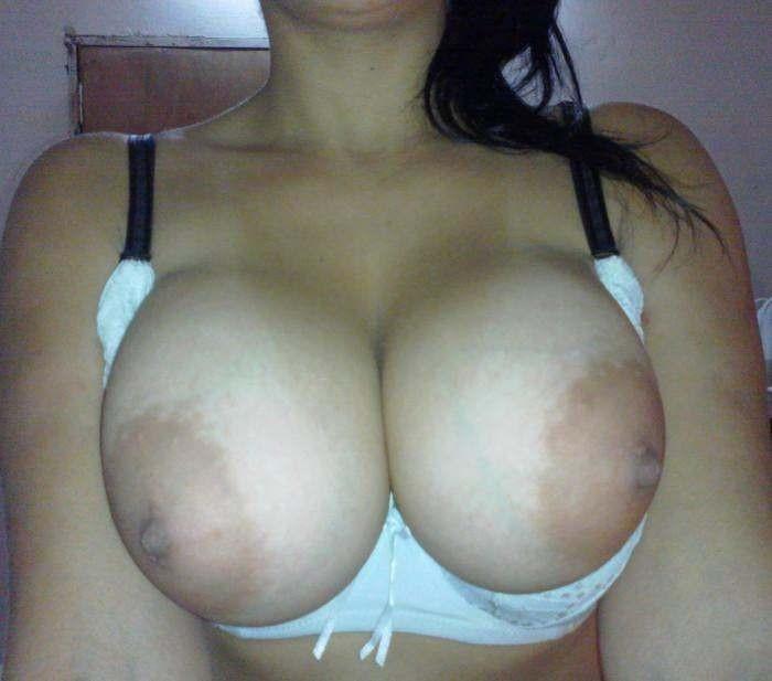 big boobs gros plan (18)