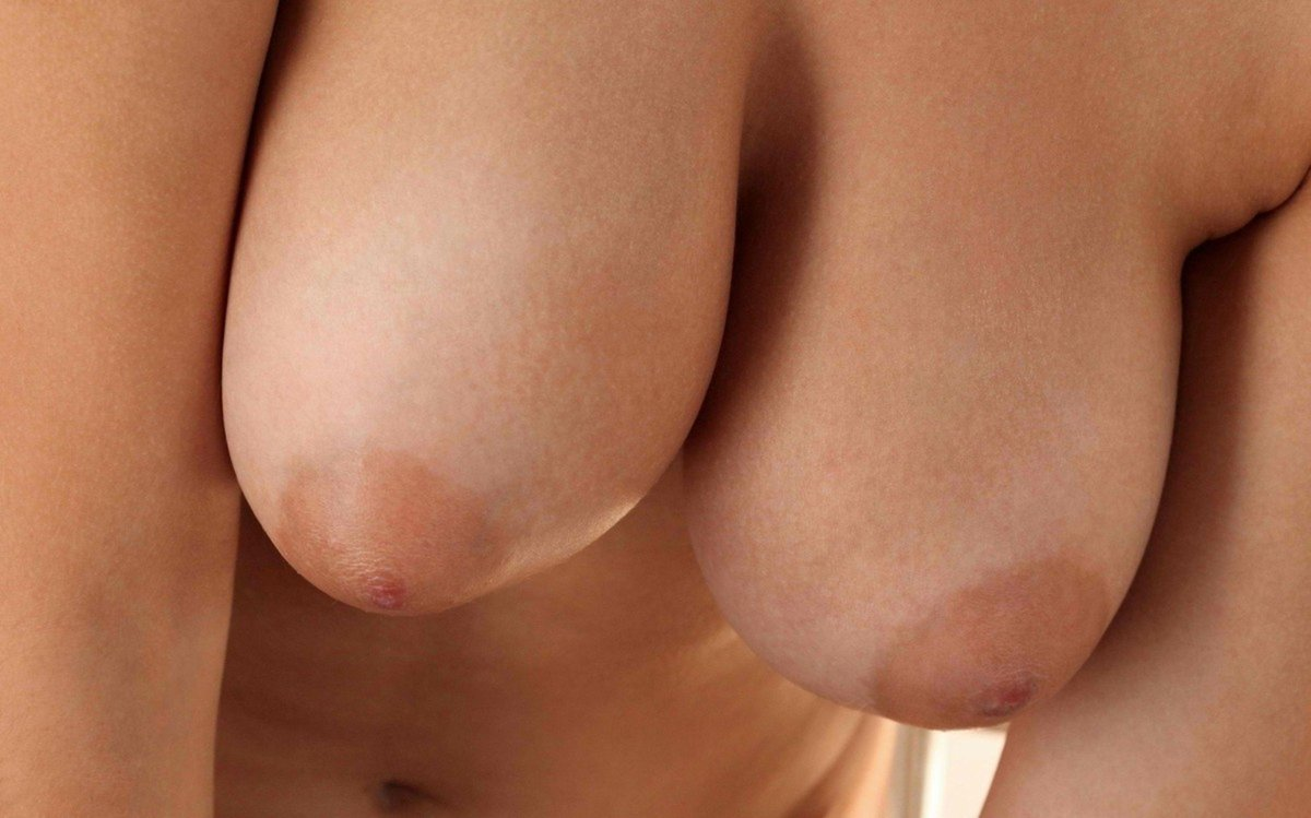 Des big boobs en gros plan !