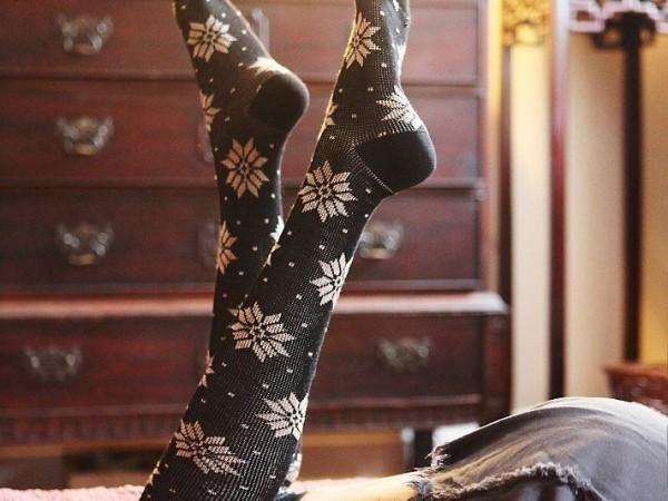 Photos spéciales pour les fétichistes de chaussettes de filles