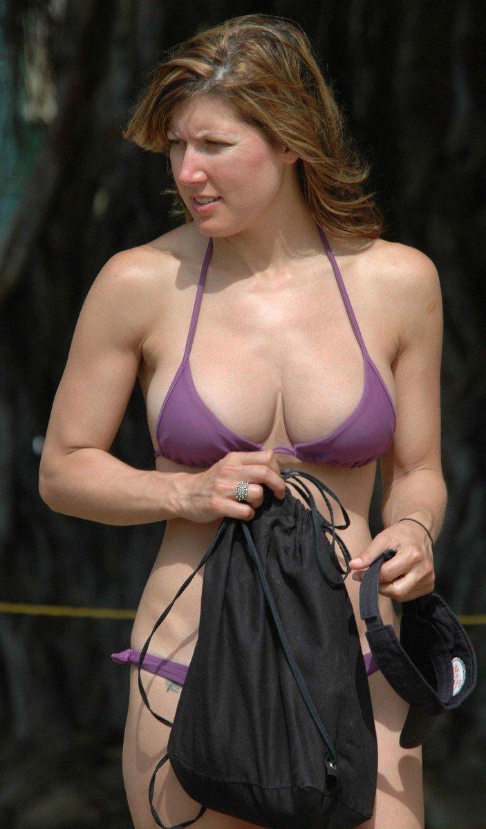 gros seins plage bikini (9)