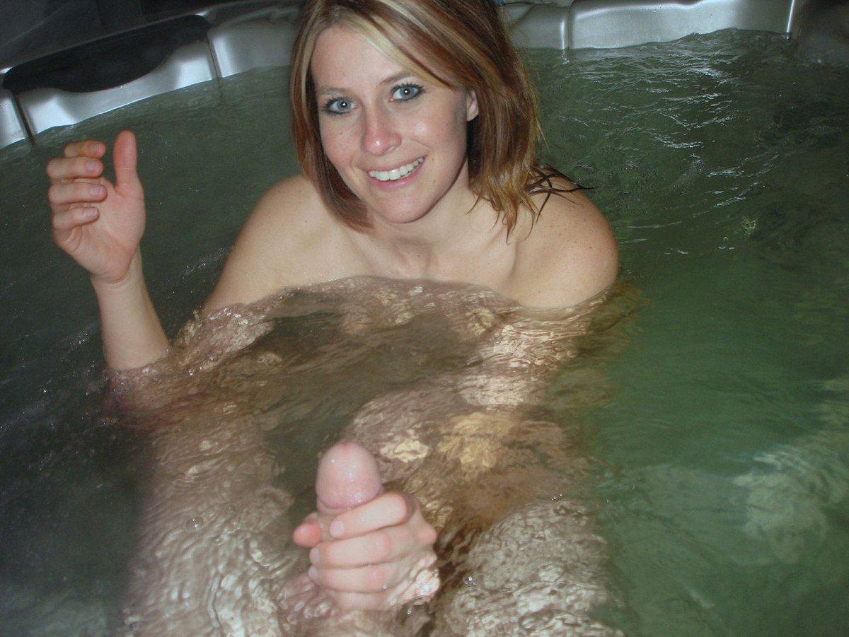 jeune femme nue baignoire (9)