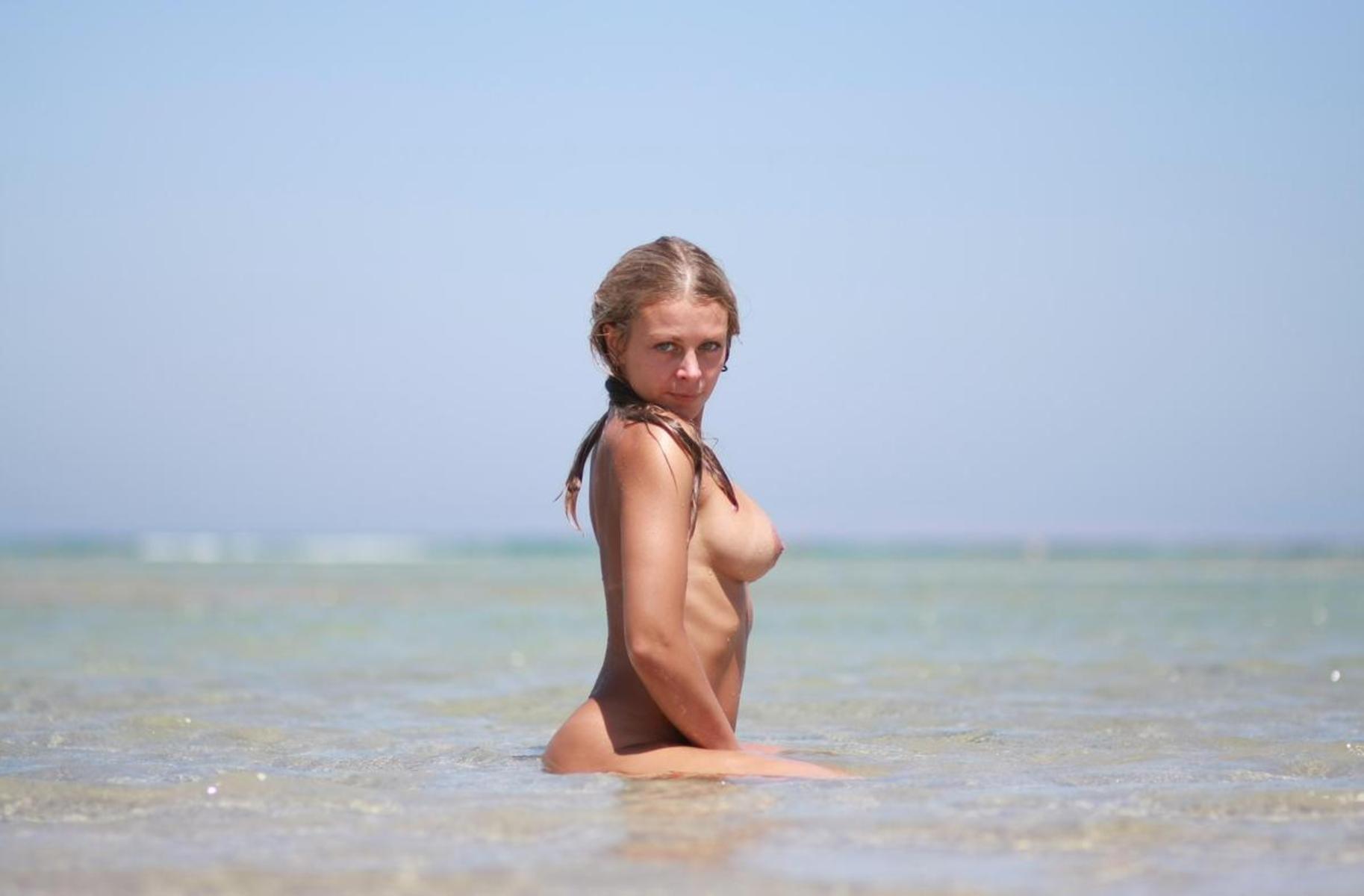 Naked Bulgarian Women  Hot Girl Hd Wallpaper-1891