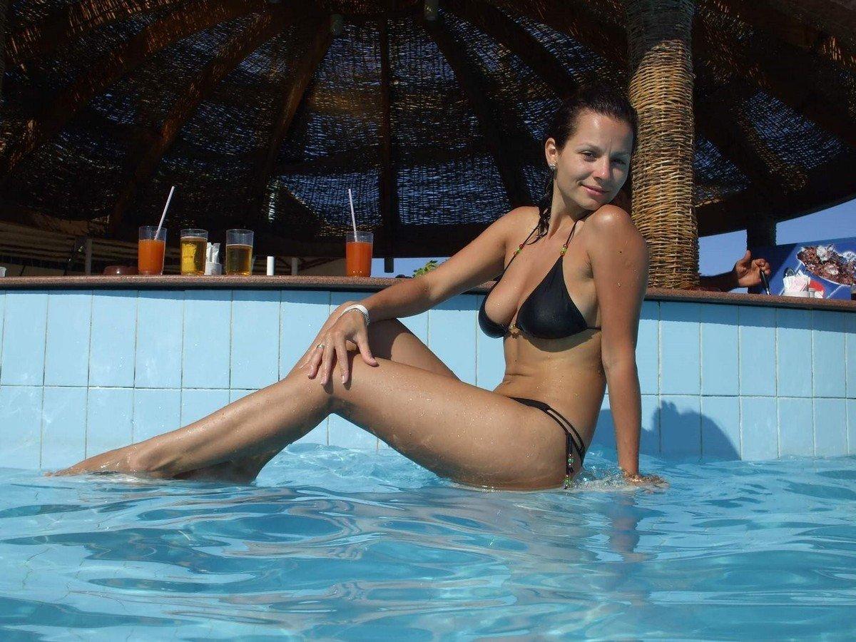 meuf gros nichons bikini (5)