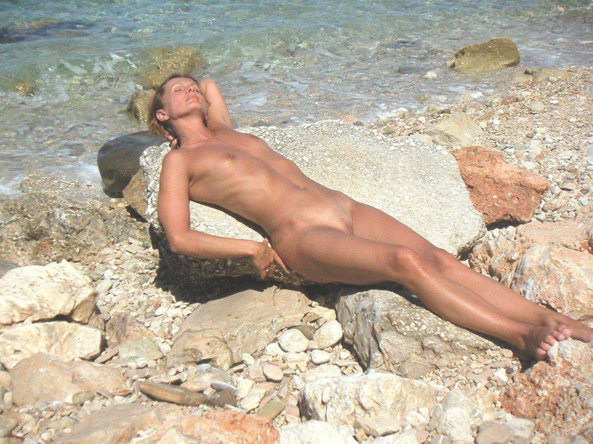 mures nues baise nudiste
