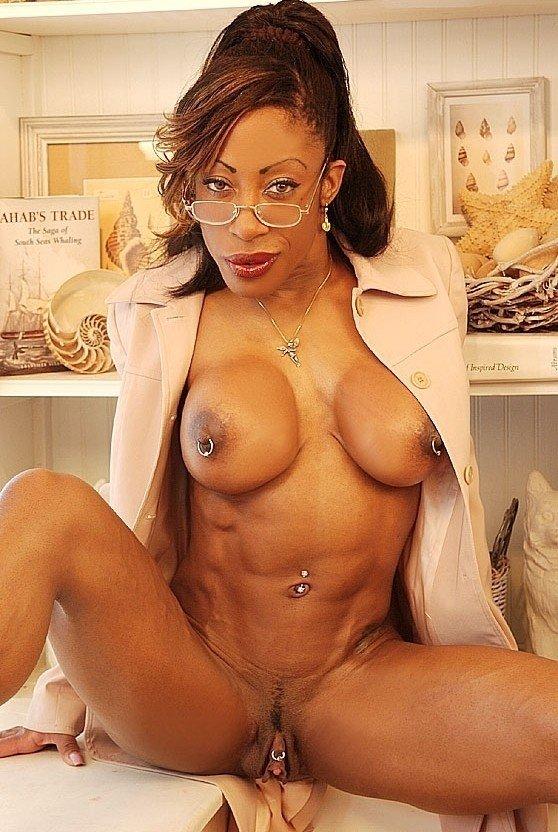 Femmes sexy avec des muscles nus