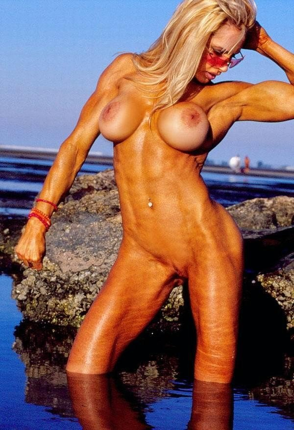 photo femme tres musclee (14)