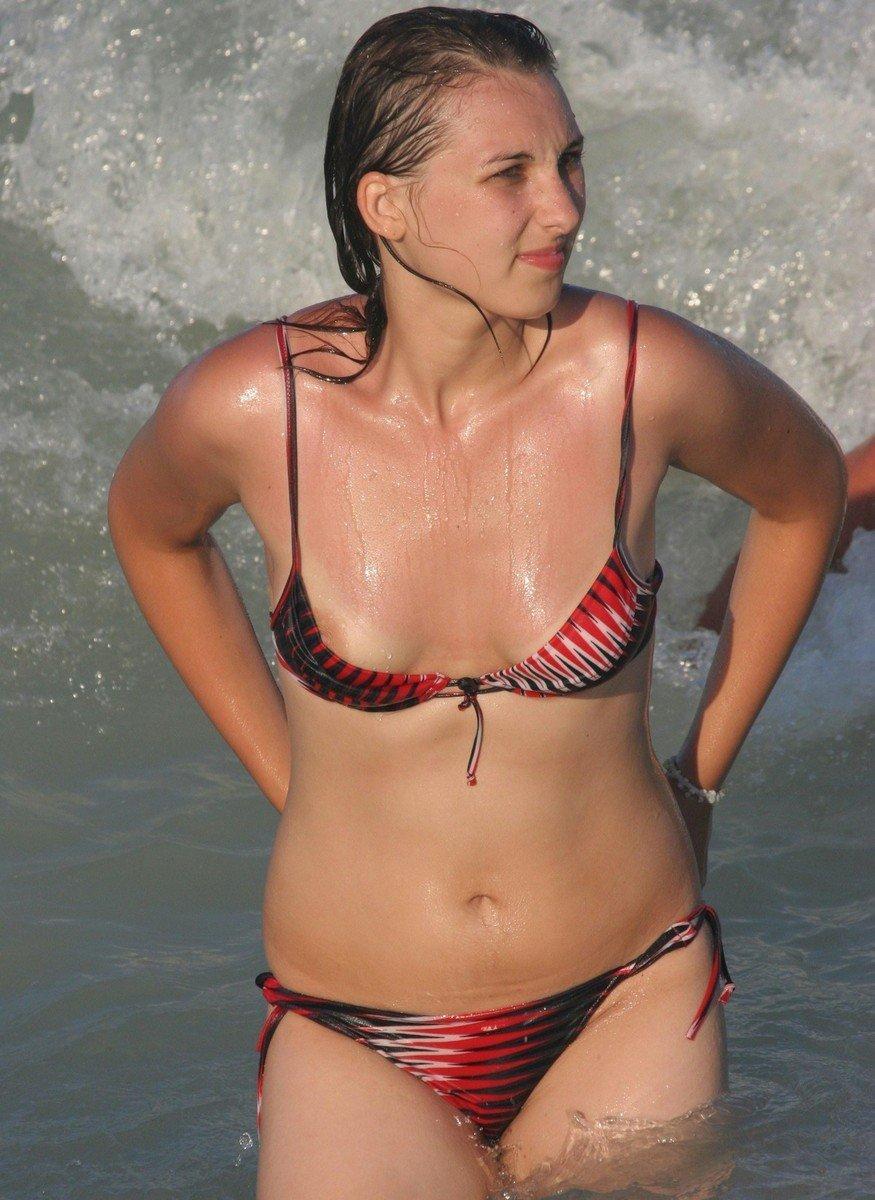 teton depasse bikini (2)