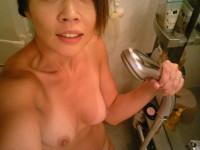 Le selfshot d 'une amatrice asiat très jolie