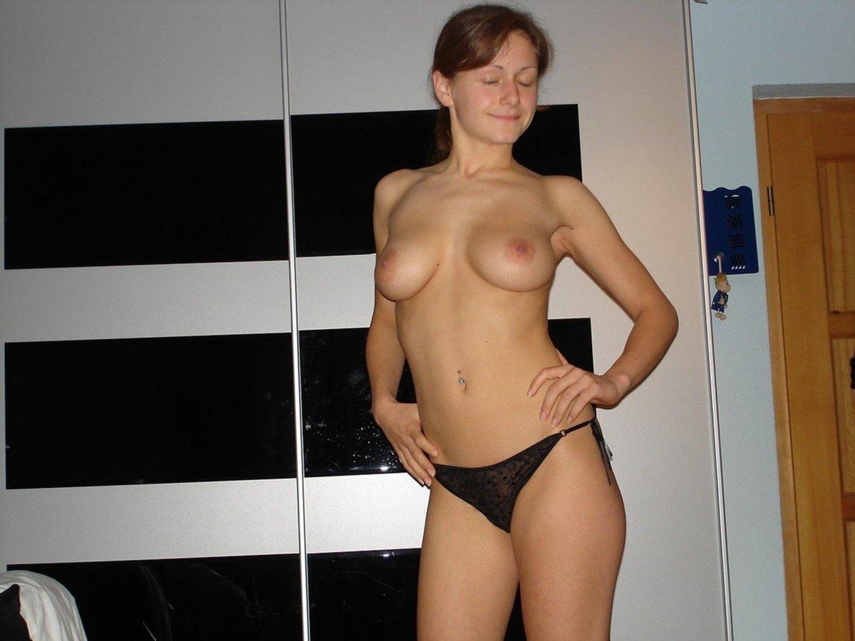 amatrice brune rasee gros seins (7)
