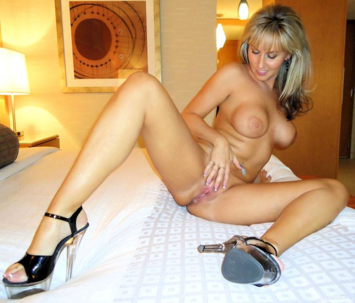 Bonne sodo pour cette jeune bbw francaise en lingerie - 2 part 4