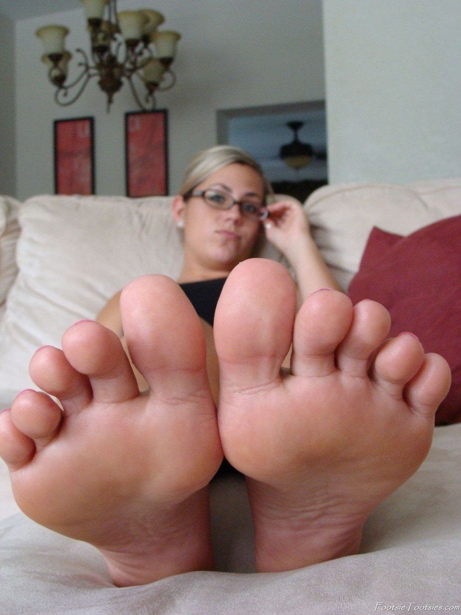 fille pieds sexy (12)