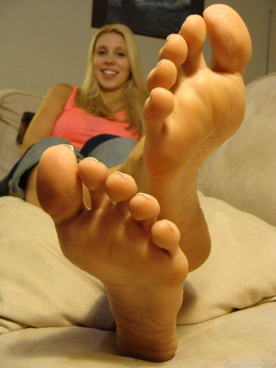 fille pieds sexy (5)