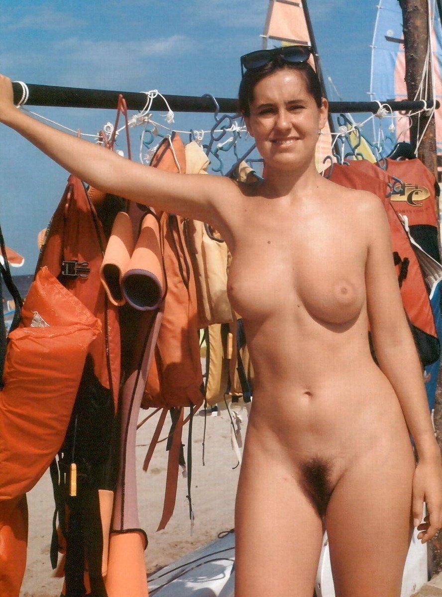 Filles Sexy Et Bandantes Nues Sur Un Bateau - 4Plaisircom-5242