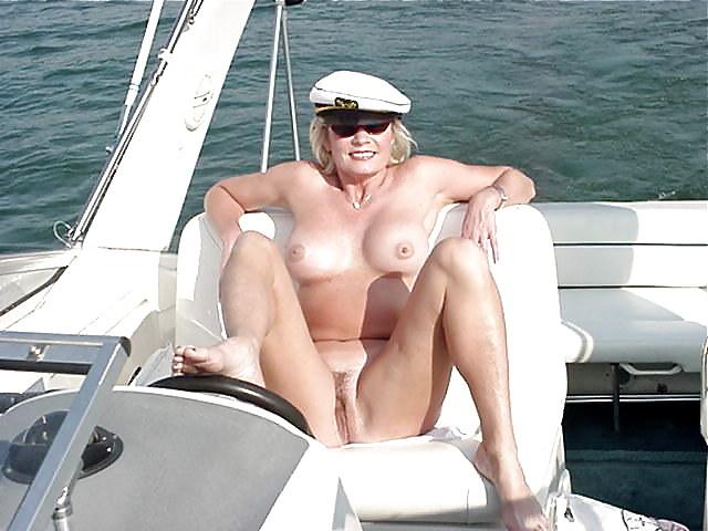 fille sexy bandante bateau (4)