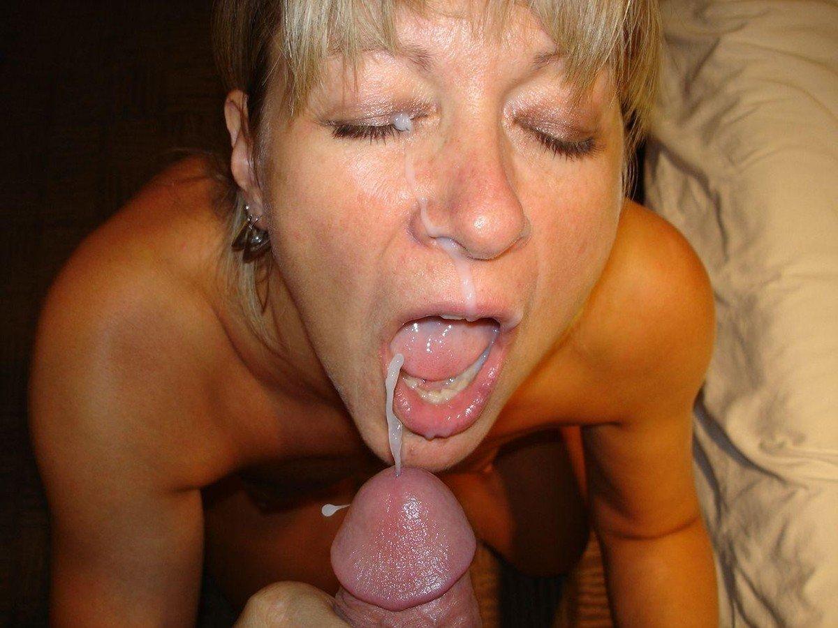 Amatuer se fait baiser dans la bouche