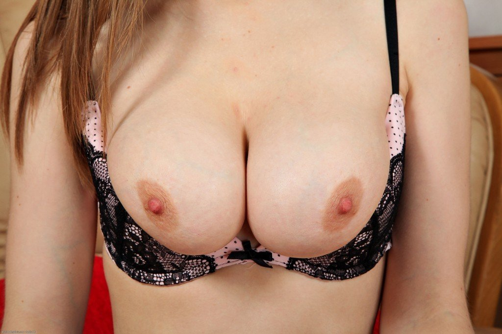 photo big boobs gros plan (4)