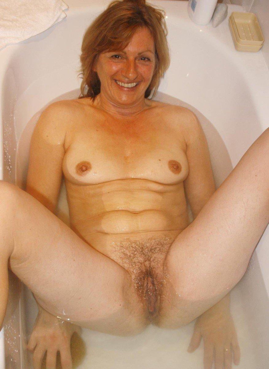 Vieilles poilues qui se lavent