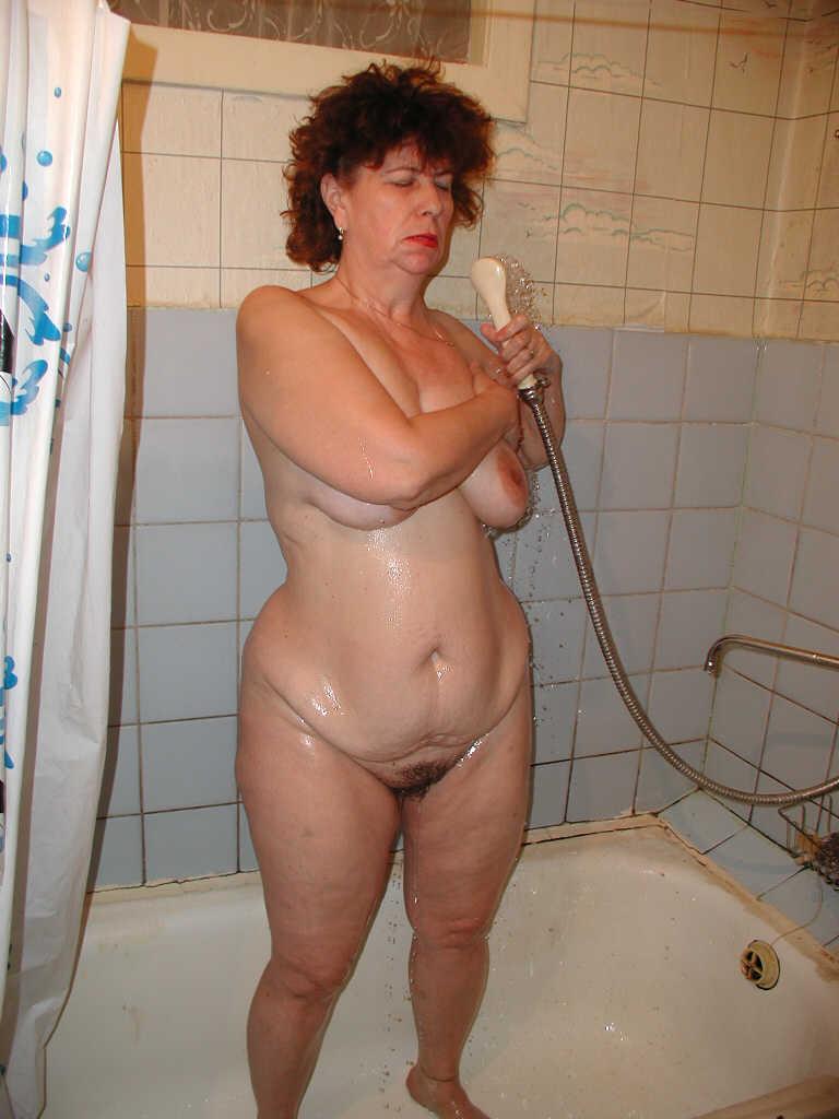 vieille poilue bain (9)