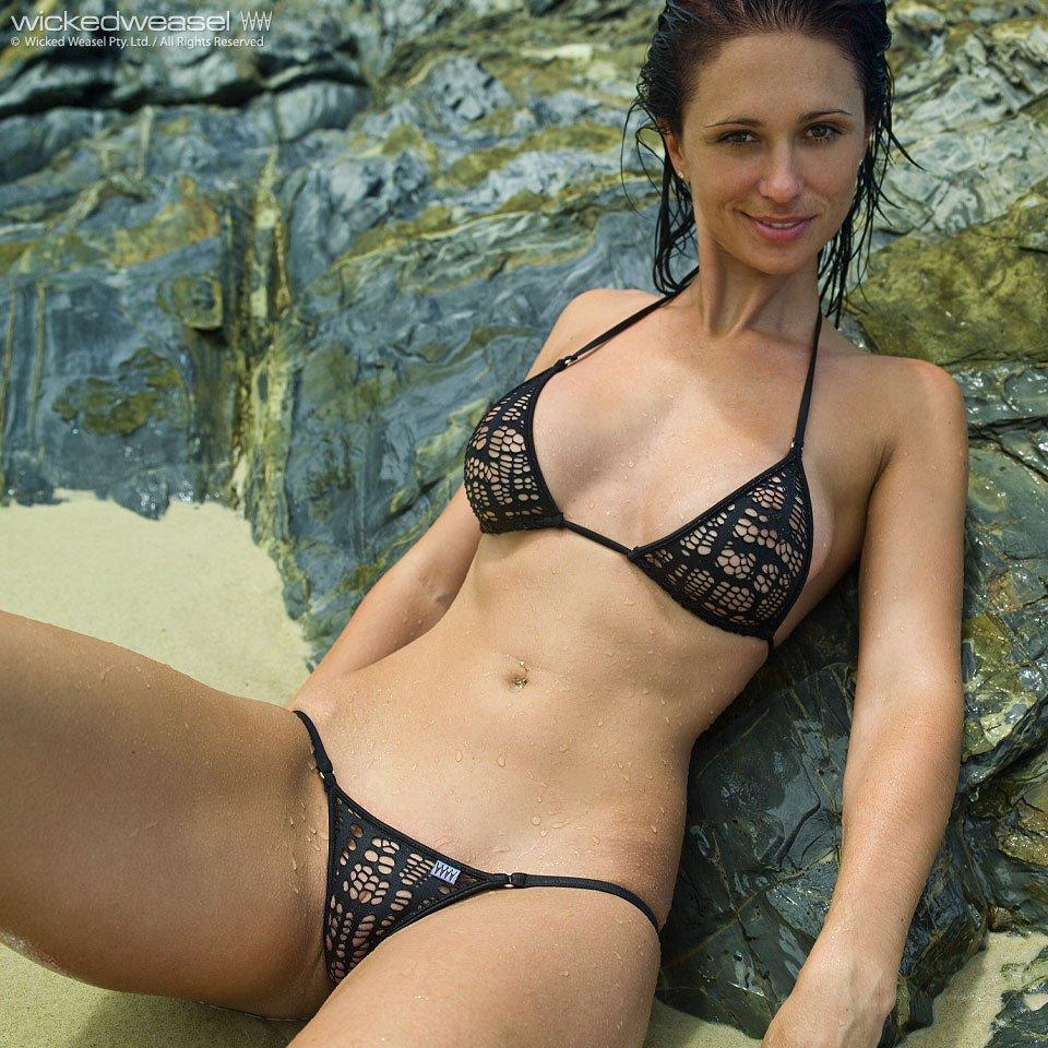 a travers le bikini  (4)