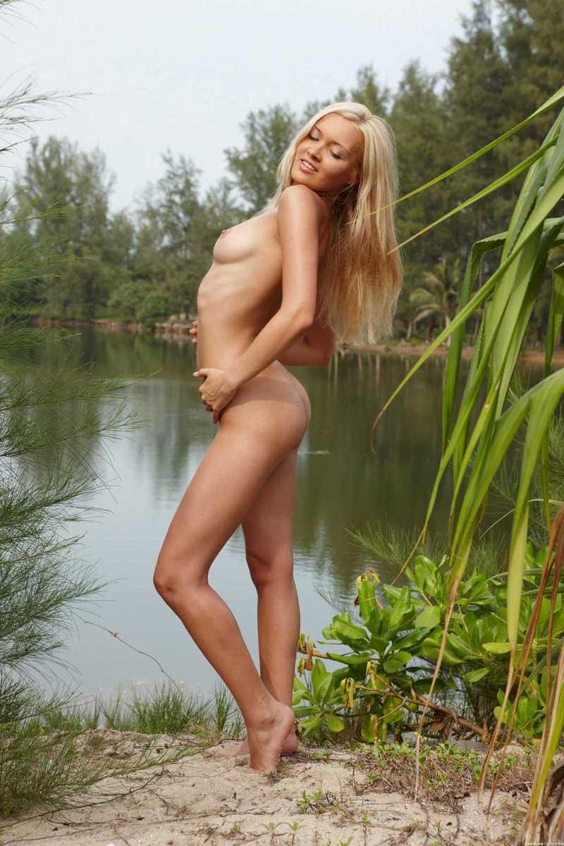 bombasse blonde (15)