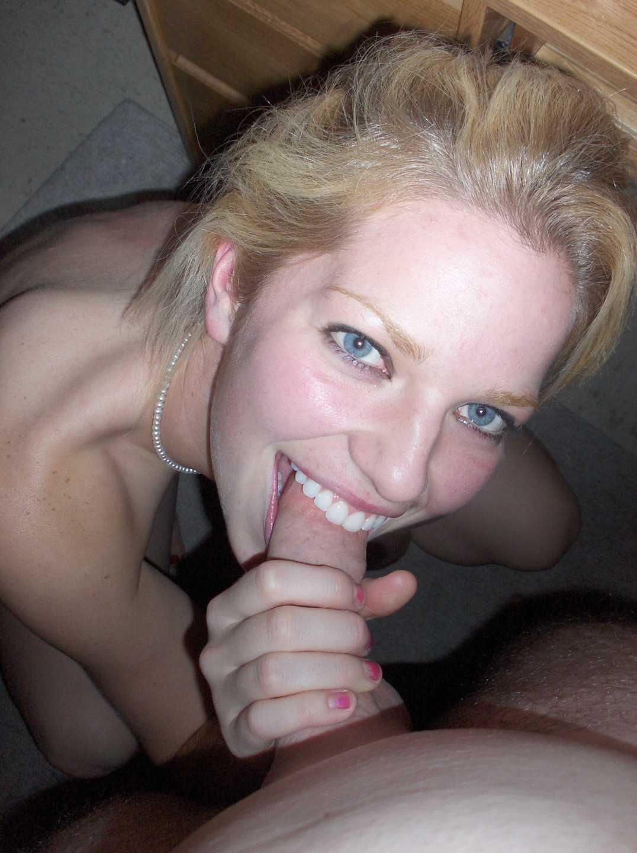 cochonne suce yeux bleus (1)