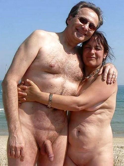 couple nu plage (1)
