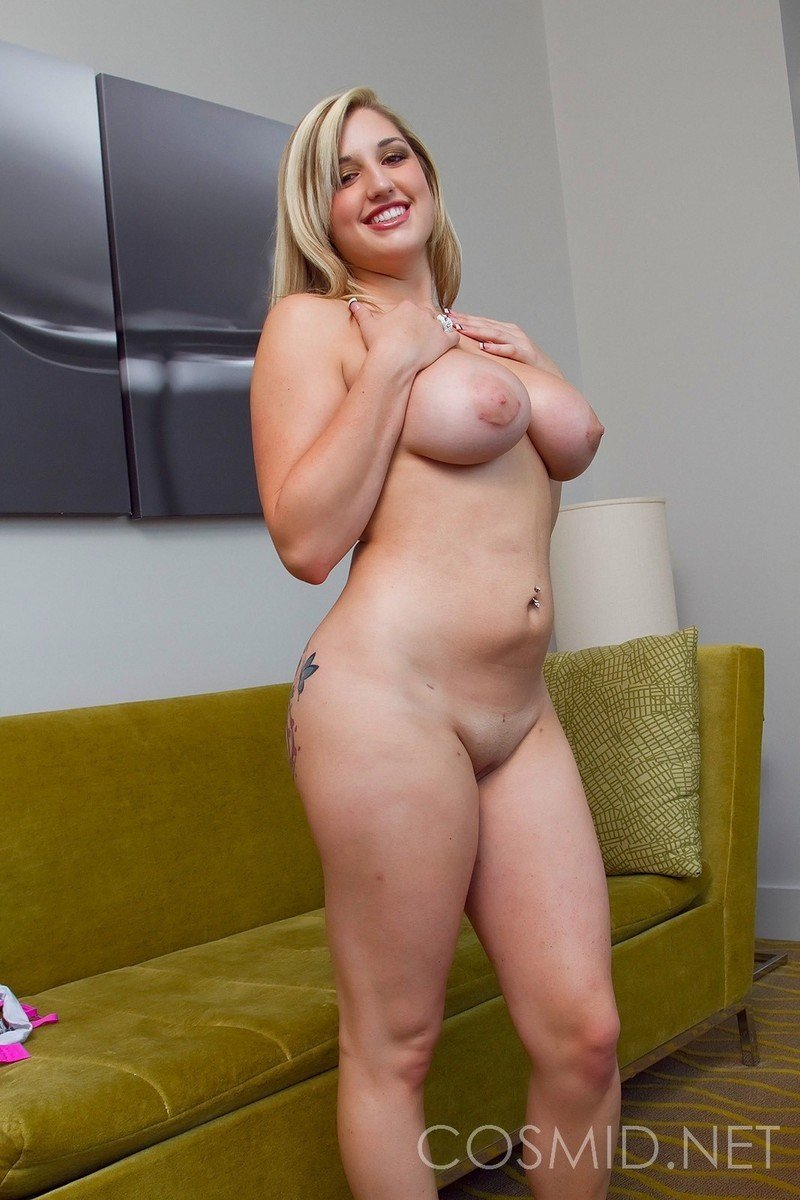 femme blonde seins (12)