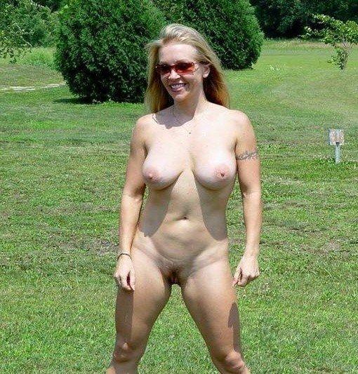 femme blonde seins (16)