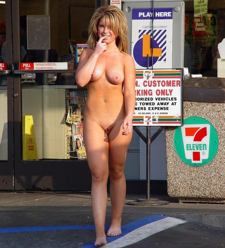 femme blonde seins (8)