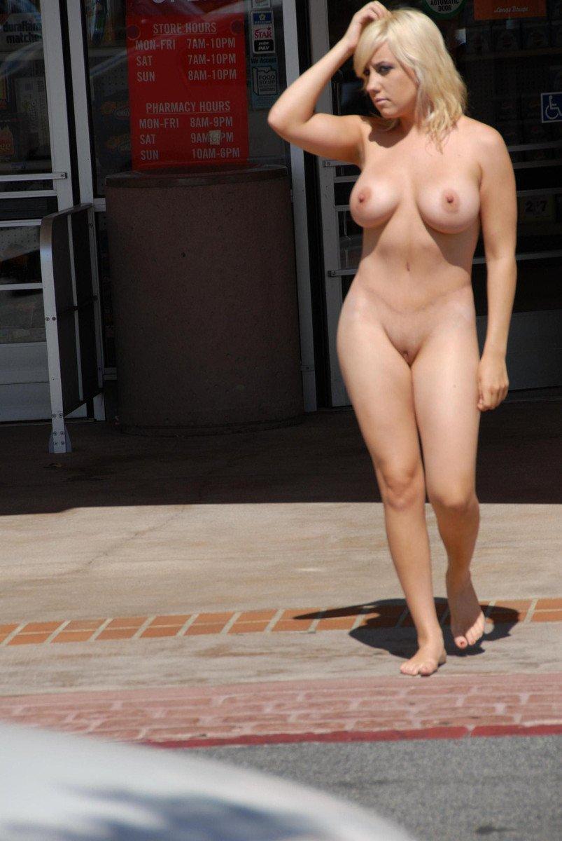 femme blonde seins (9)
