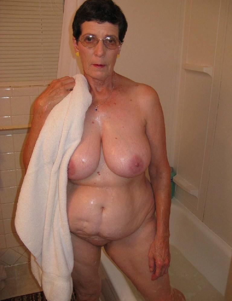 femme mure douche (7)