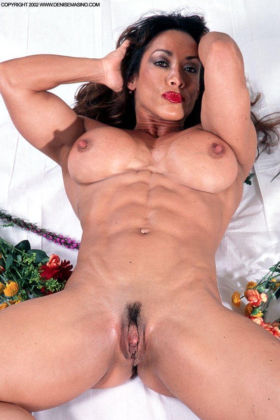 femme musclee gros clito (5)