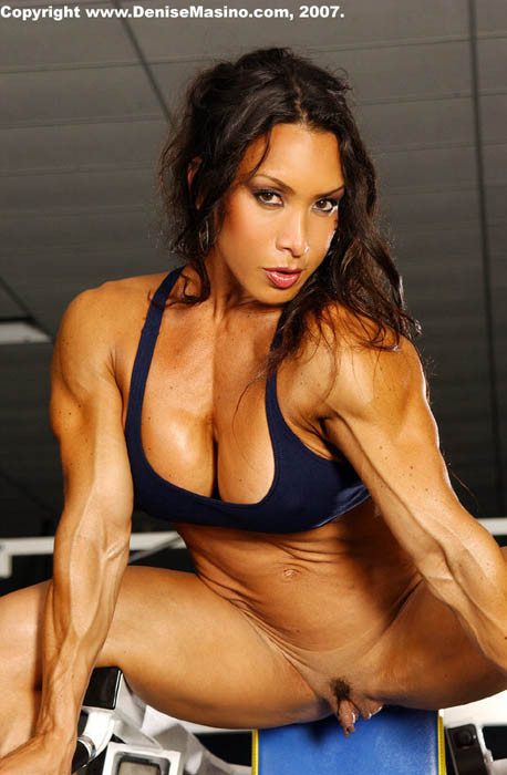 femme musclee gros clito (9)