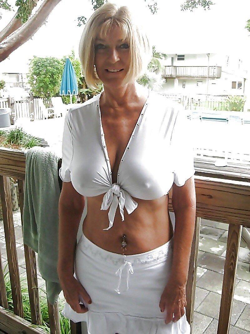 femme sans soutiens gorges (14)