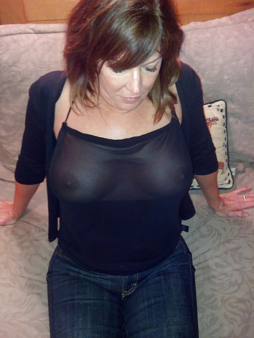 femme sans soutiens gorges (3)
