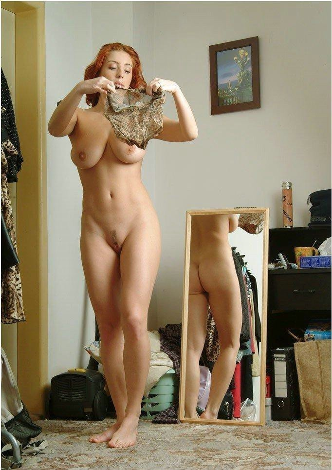 fille rousse exhib corps (16)