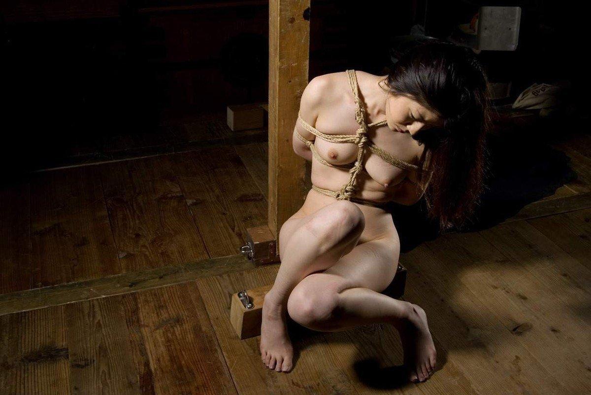 Ligotées, bâillonnées, torturées…