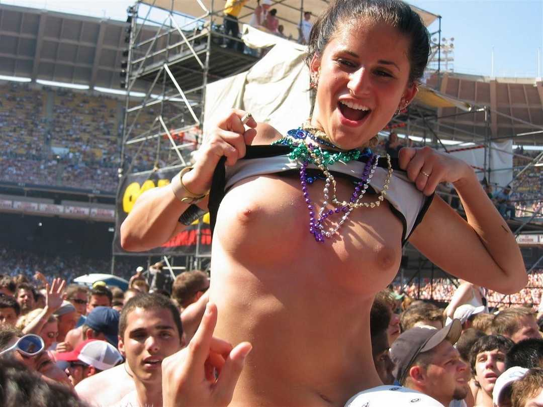 nude women at sporting events