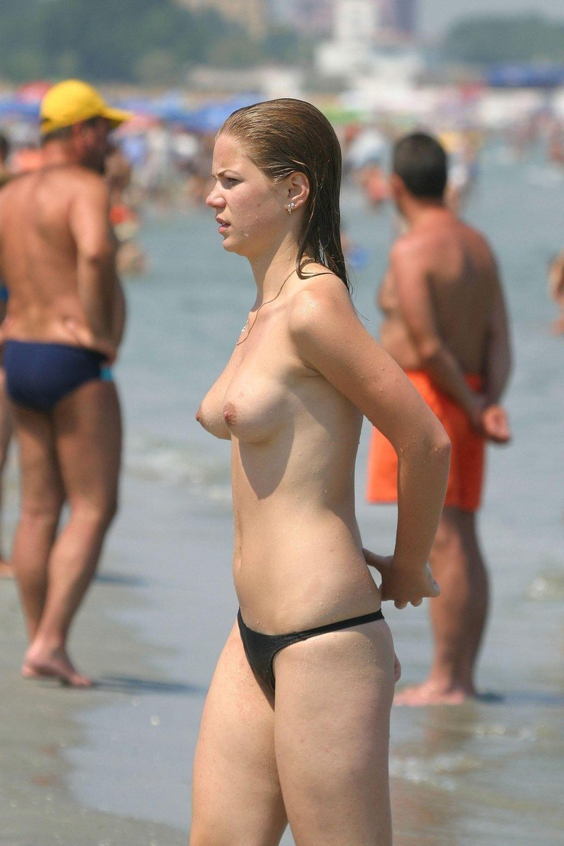 topless plage (4)