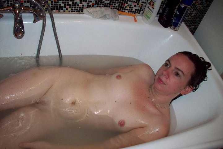 amatrice sexy baignoire (16)