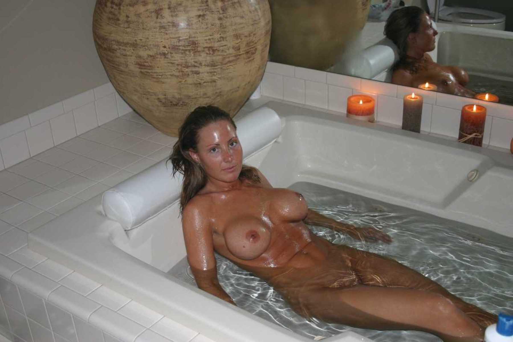 amatrice sexy baignoire (5)