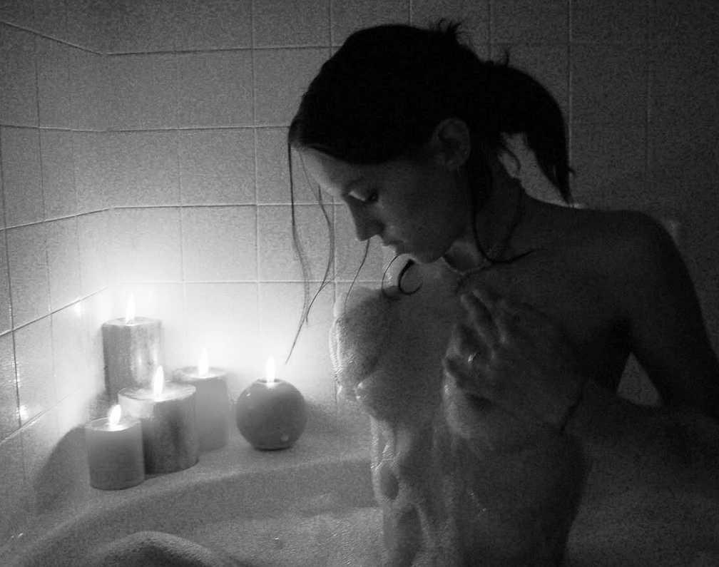 belle fille nue bain (5)