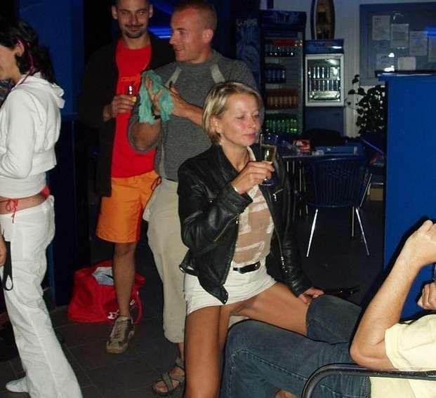 blondinette sans culotte (12)