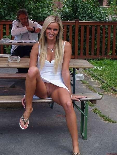 blondinette sans culotte (16)