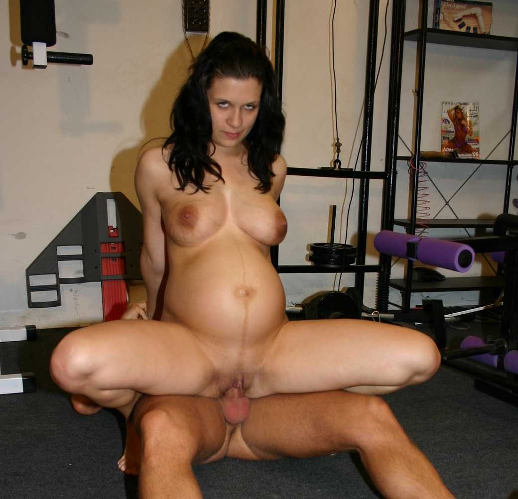 brune enceinte baise (10)