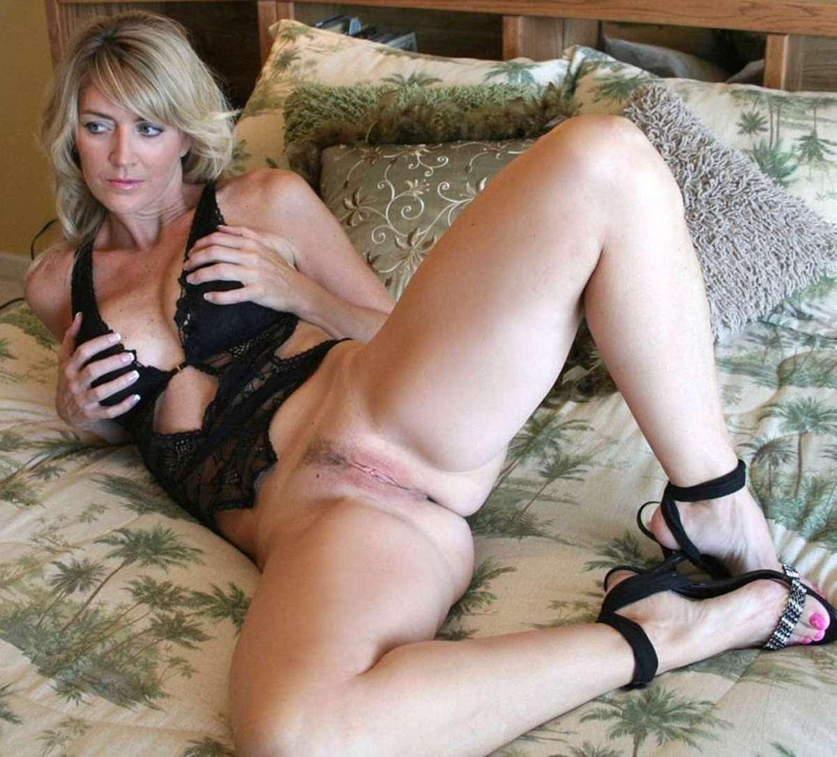femme mure blonde sexy (14)