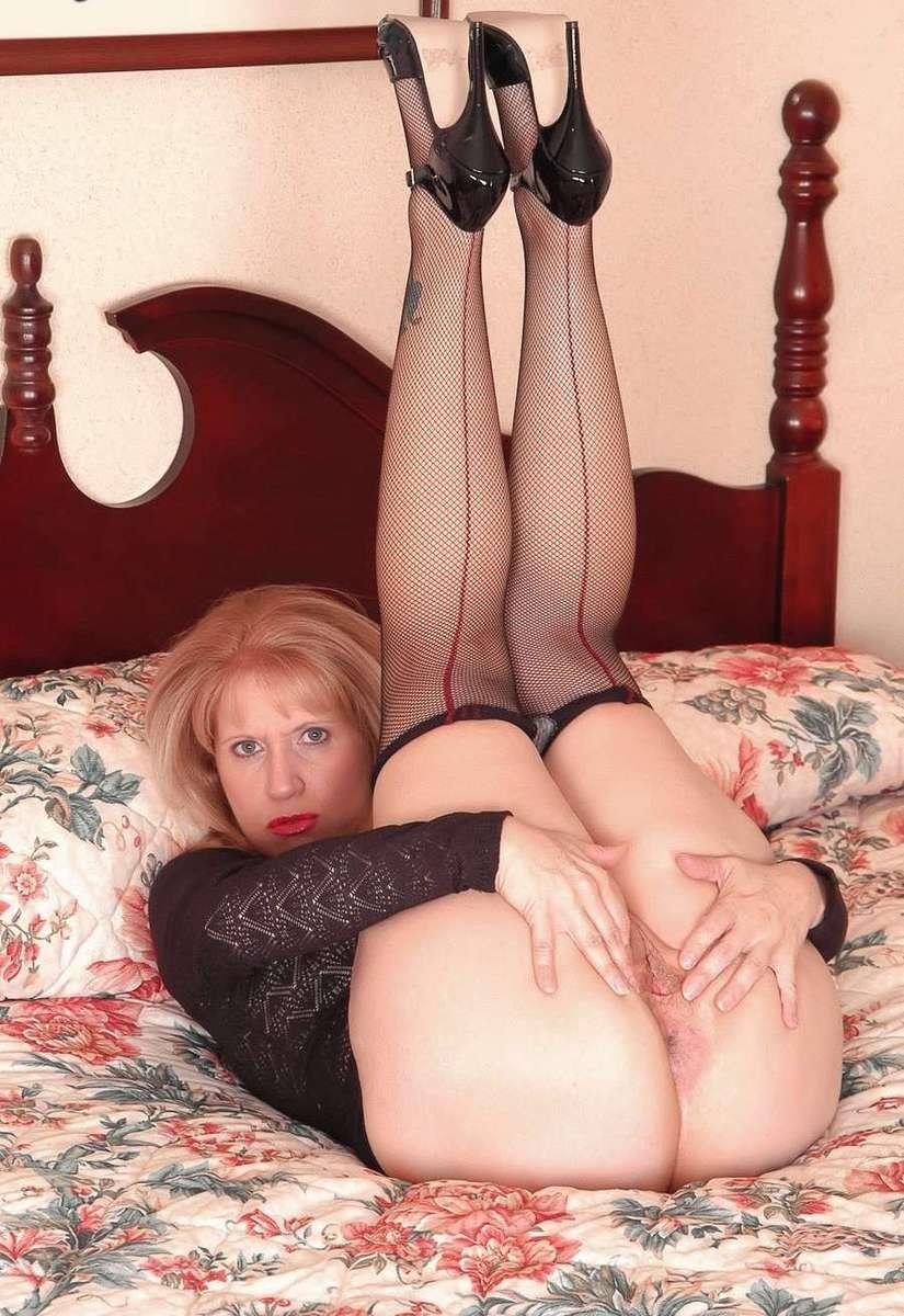 femme mure blonde sexy (4)
