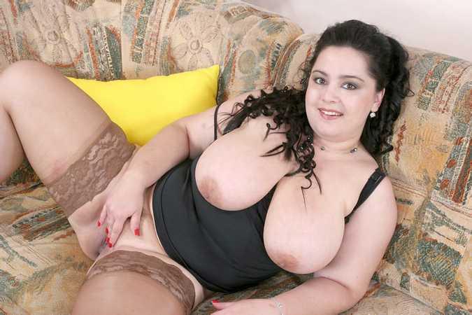 fille brune potelee (5)