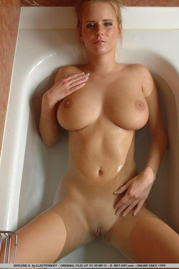 gros seins douche (12)